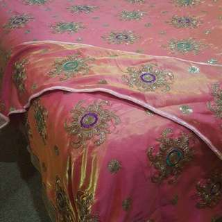 Queen Bed Sheet With 4×cushions And Runner