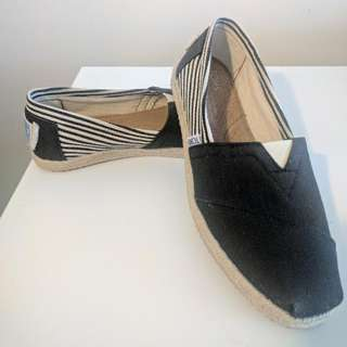 W6 Rope Sole Canvas Toms