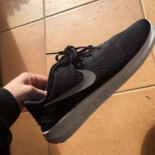Nike Free Runs Size 7 24cm