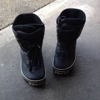 Snowboard Boots Size 6 Women's