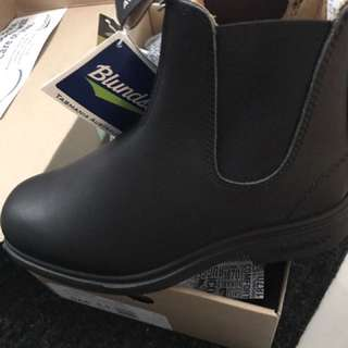 Men's New Blundstone Boots Size 9.0 And 9.5 US