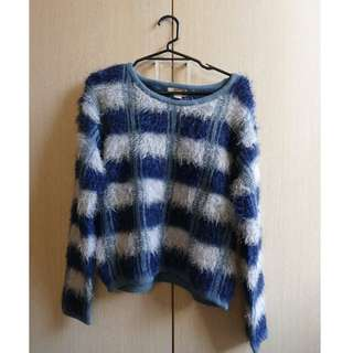 Forever 21 fluffy navy blue/white sweater (Size US Small)