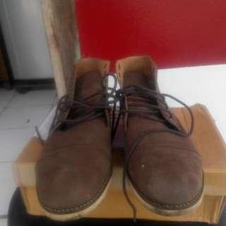 Jual Sepatu Boots Tipe Chukka Made In Bandung Merk Reiter. Ukuran 43 Pemakaian 90% Jarang Bgt Dipakai Jo Minus Lengkap Dengan Box