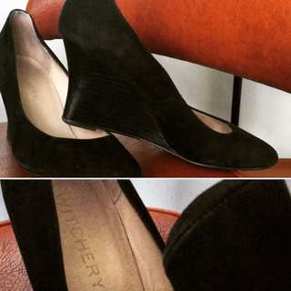Witchery suede Wedges