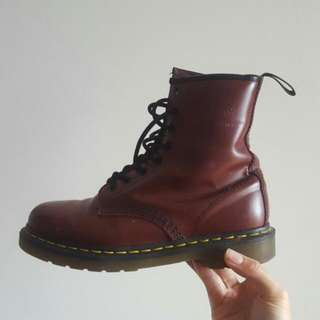 Dr Martens 1460 8 Eye Classic Red
