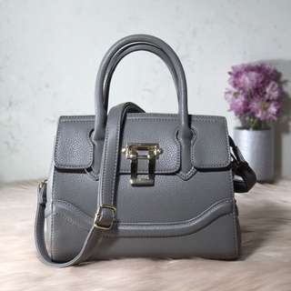 HELEN (Dome Metal Stud Textured Tote Bag)