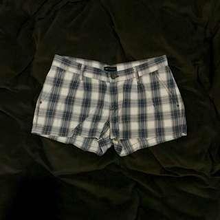 MANGO 復古格紋短褲 ZARA UNIQLO MOMA iROO SISLEY H&M MNG ESPRIT