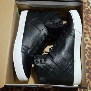 Skytop Black/White Size11