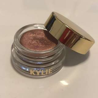 Kylie Jenner Rose Gold Creme Shadow