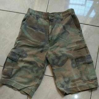 Celana Pendek Army