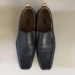 Sepatu Kulit Imitasi Regent Street