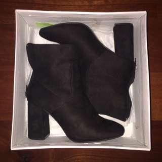 Linzi High Heels Black Suede