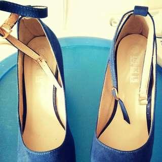 Navy Blue GAMUZA heels