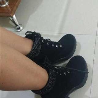 💞SALE 500💞Black Lace Boots