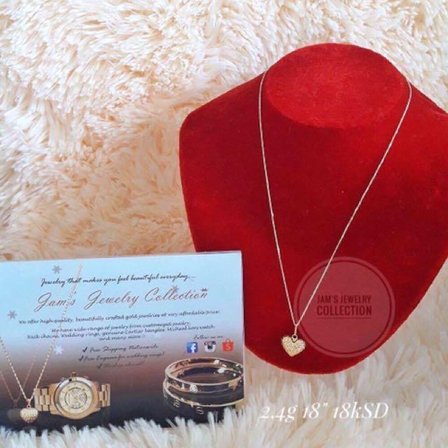 """18 Karat Saudi Gold necklace 18"""""""