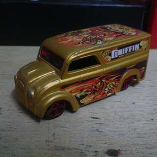 Hotwheels - Dairy Delivery Gold (loose) 2004