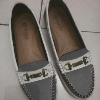 Sepatu Triset Ori