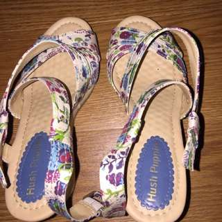 New Hush Puppies Floral Wedge Shoes Size 7