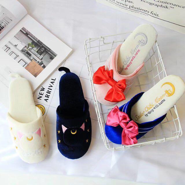 美少女戰士 黑露娜/白亞提密斯/藍月光仙子/粉小兔妹妹 毛絨拖鞋