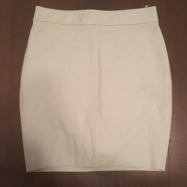 Aritzia T.Babaton Jayden Skirt / Size 6