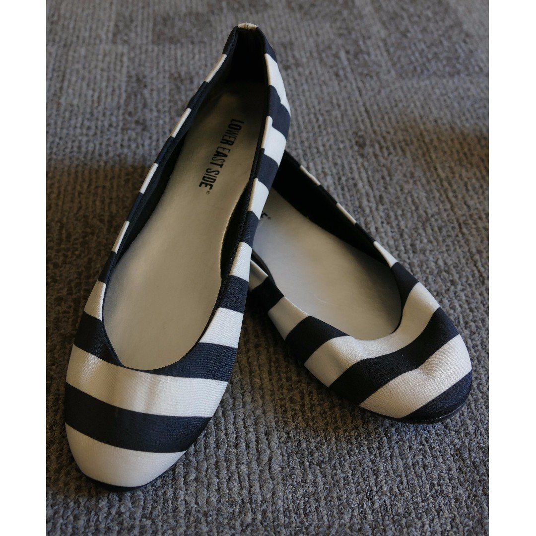 Black and White Flats (Size US 7.5)