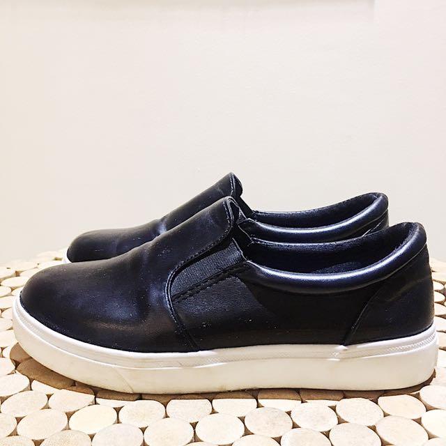 BLACK SLIP-ON SHOES 👞