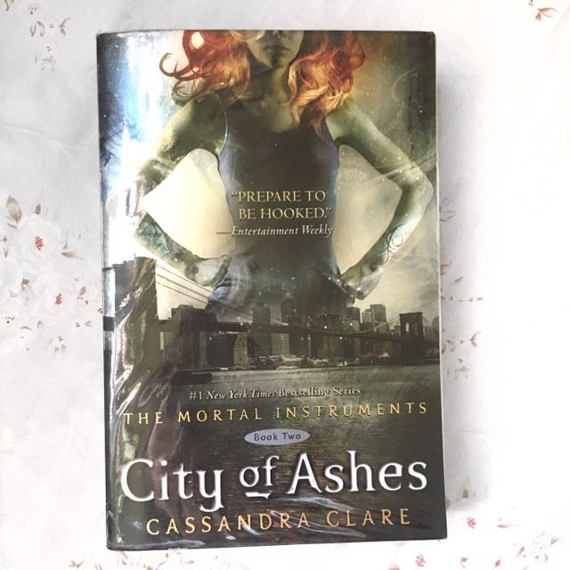 City Of Ashes — Cassandra Clare