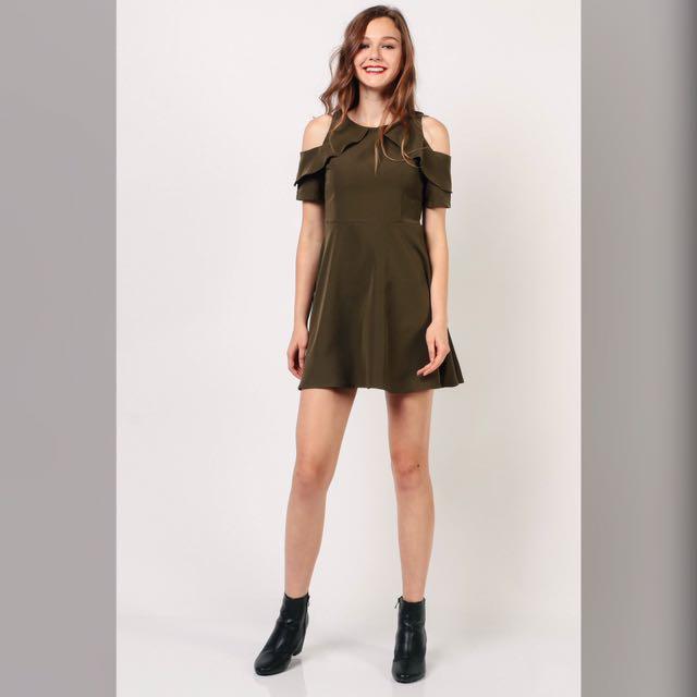 c4c1c6d4d787 Dressabelle - Cold Shoulder Layered Dress (Army Green)