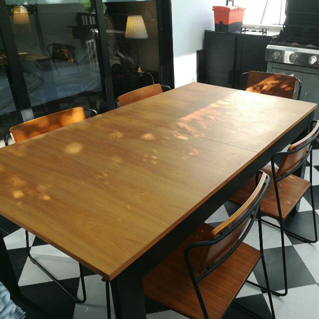Extendable Wooden Modern Dining Table And Chairs