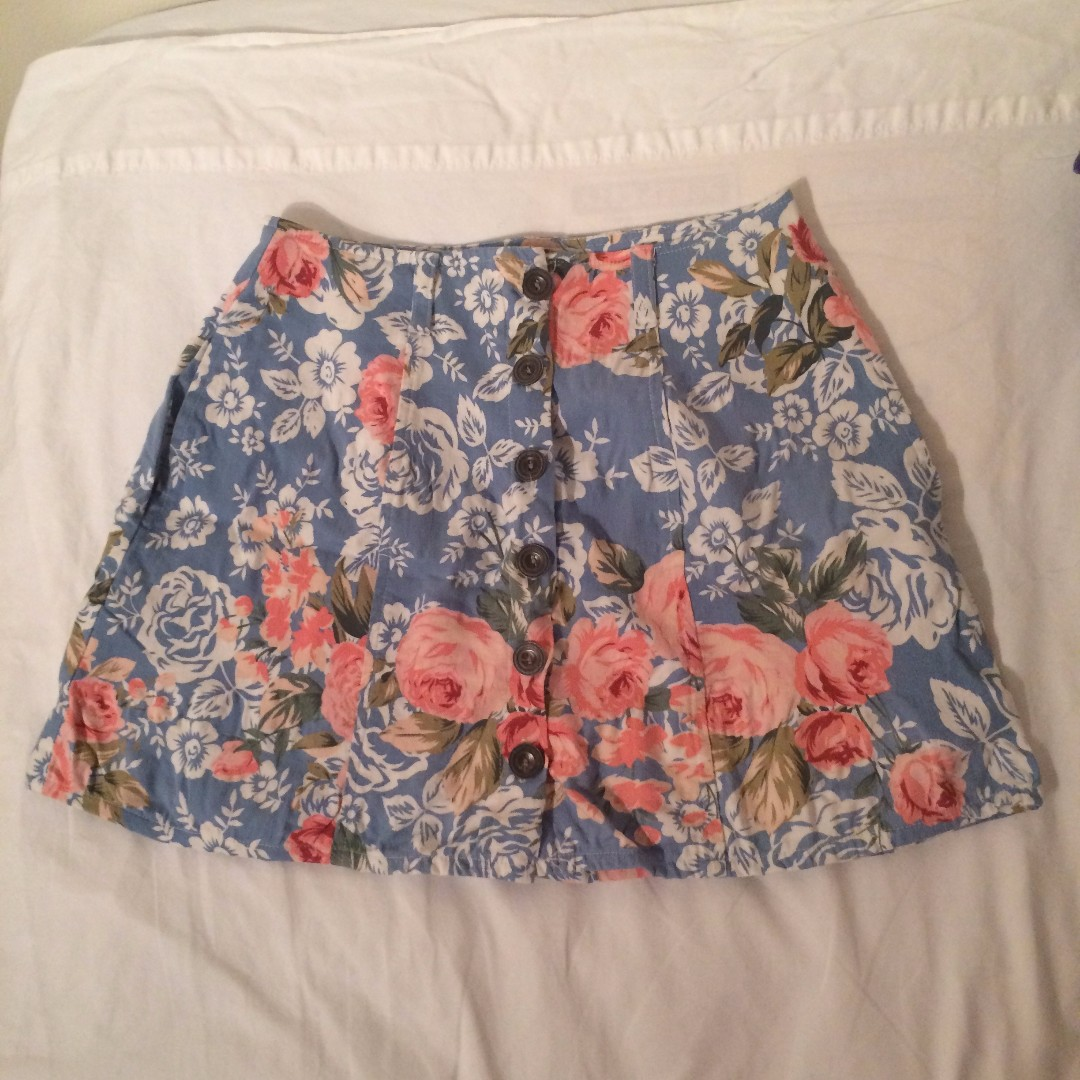 Flower patterned skirt