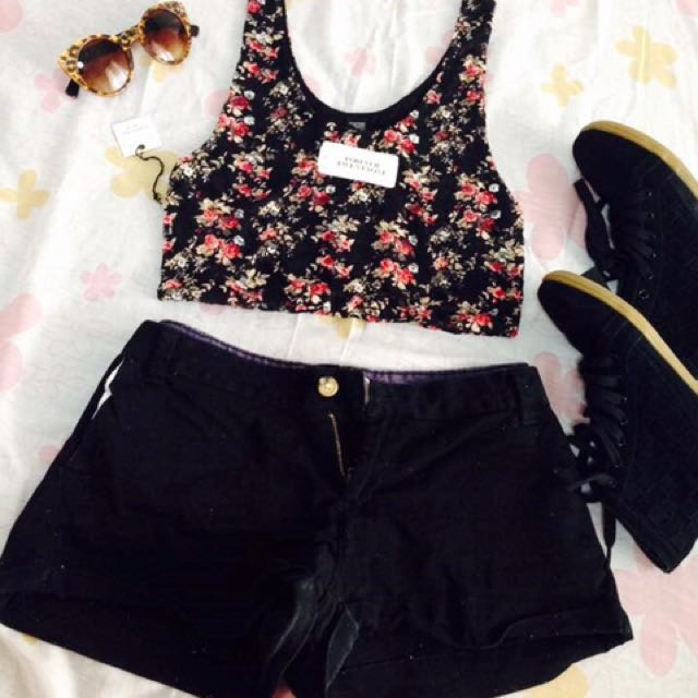 Forever21 Floral & lace Crop top