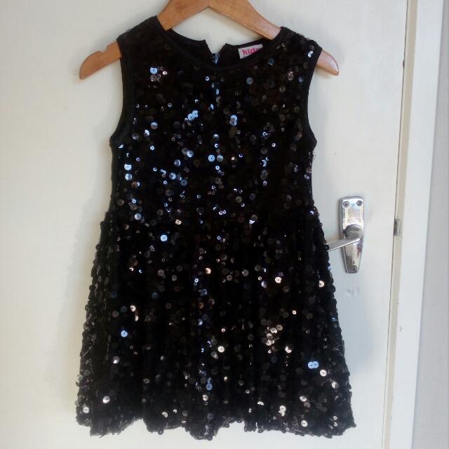 Little Girls Sparkly Sequin dress