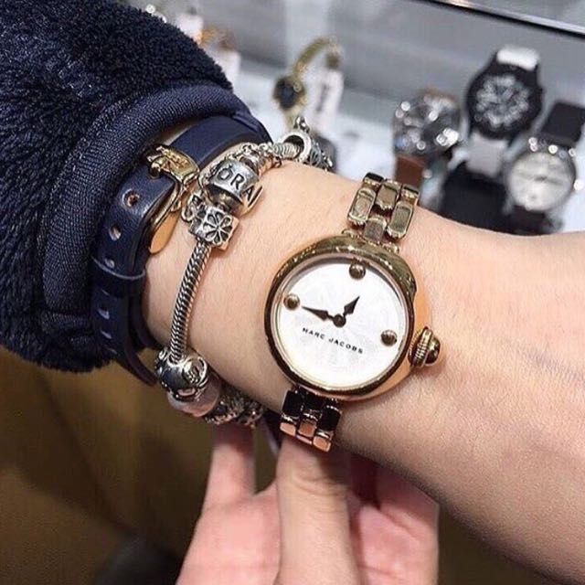 MARC JACOB's Gold Watch (LAST PIECE)