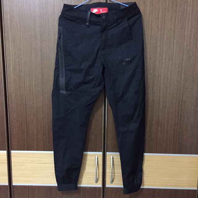 Nike縮口休閒褲