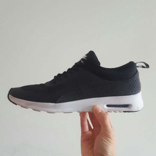 Nike Air Max Thea Blk White Size 8.5