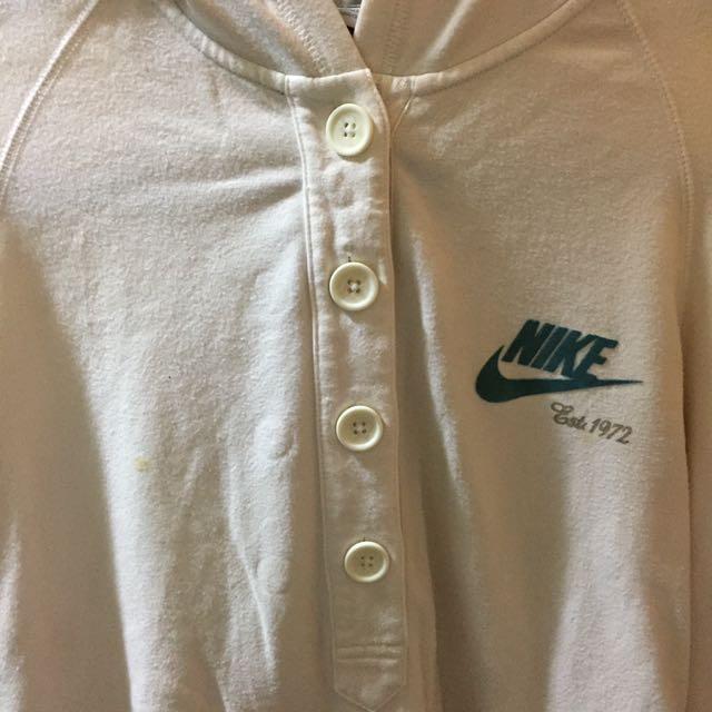Nike帽T