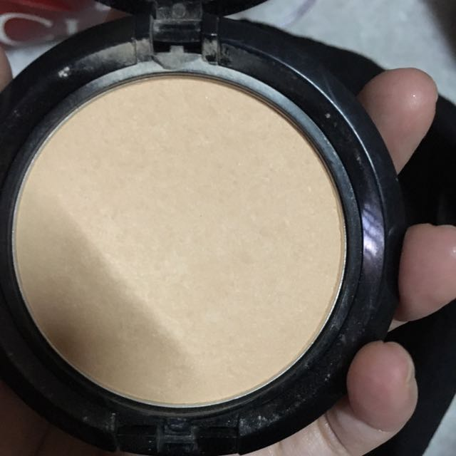 NYX COMPACT POWDER SHADE NATURAL