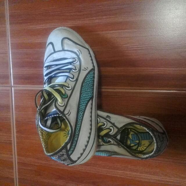 Preloved puma shoes