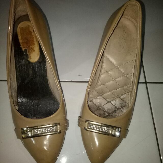 Sepatu (Include ongkir)