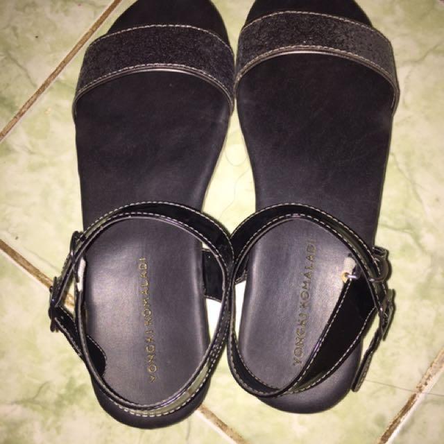 Sepatu Sanda Yongki