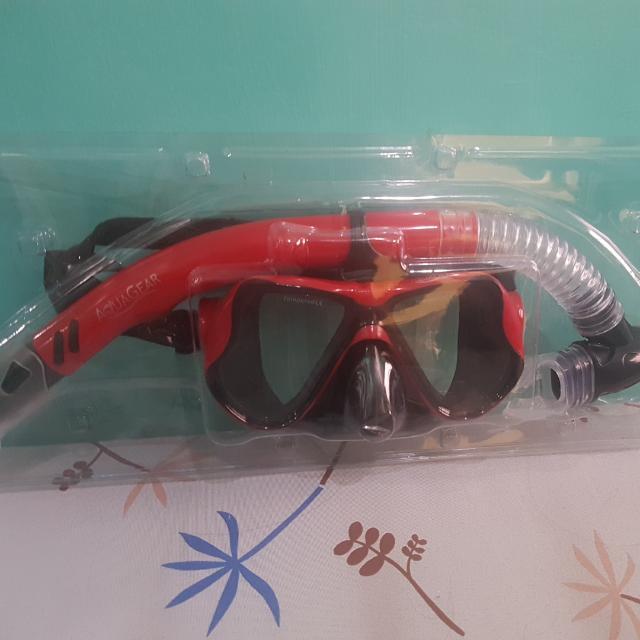 Snorkeling Gear (Aquagear) Yay Less 100!!!