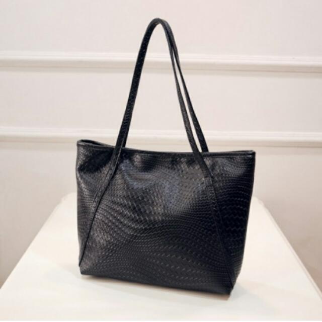 stuff: croco bag.