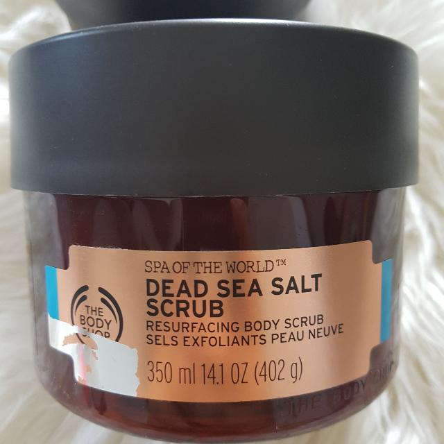 The Body Shop Dead Sea Salt Scrub (Scrub Tubuh Mengandung Garam Dari Laut Mati) 350ml