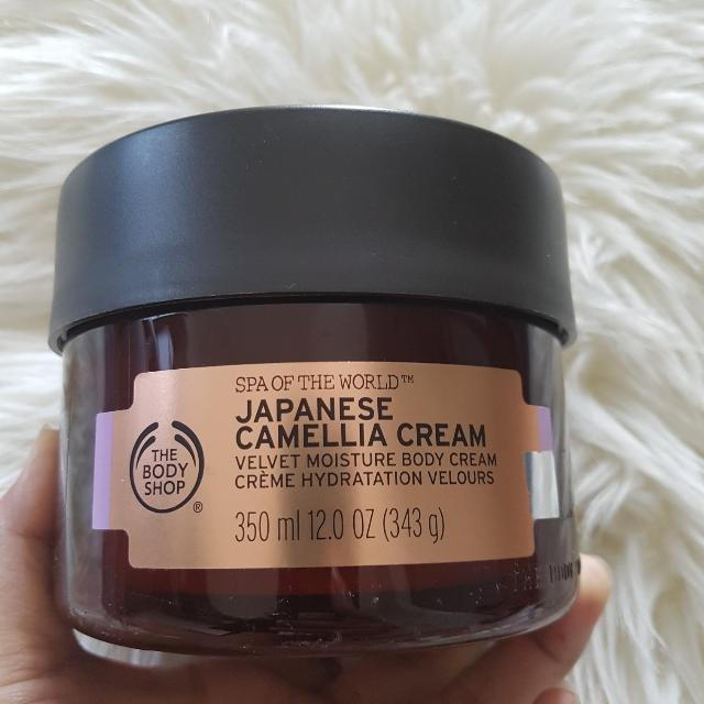 The Body Shop Japanese Camelia Body Cream (Krim Pelembab Tubuh) 350ml