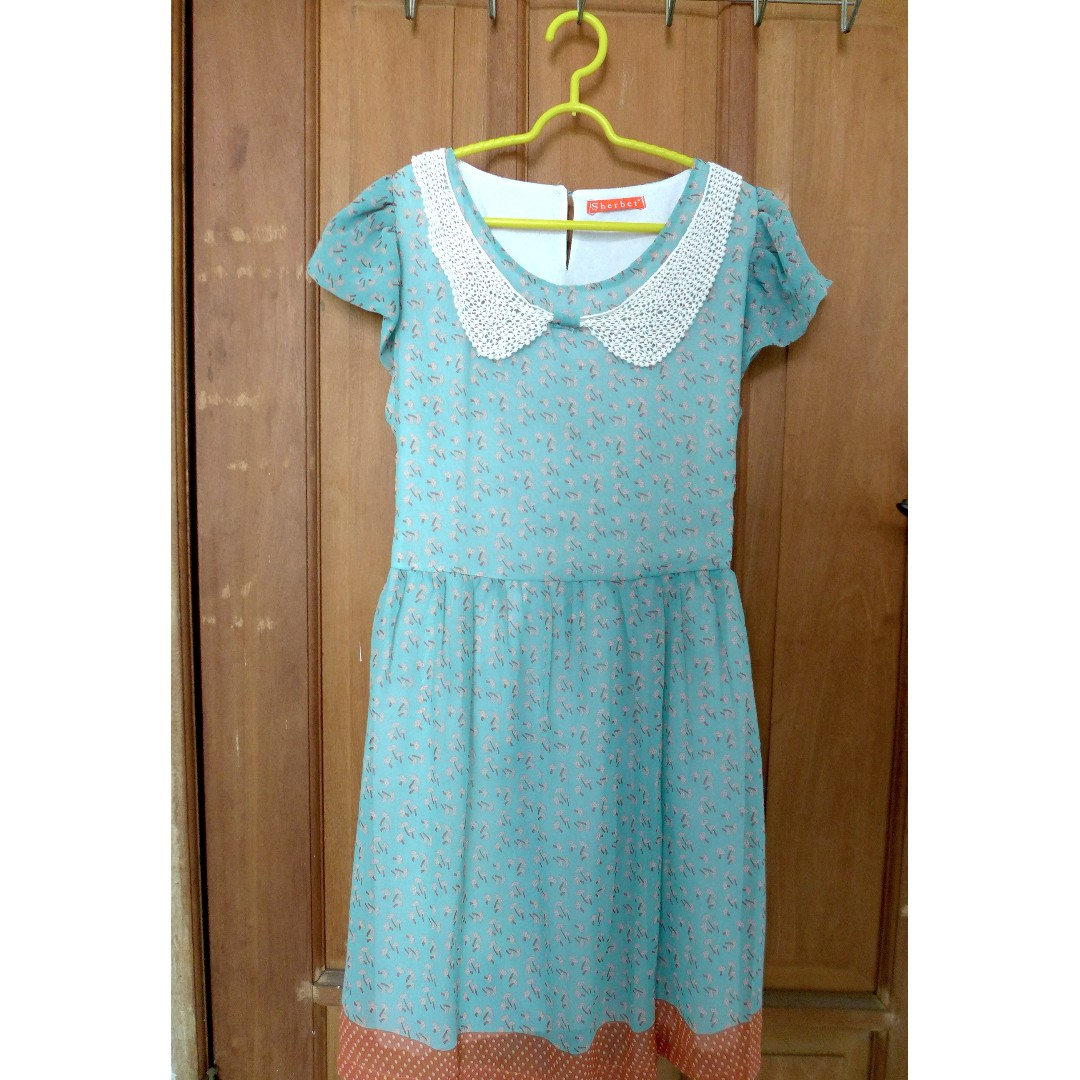 Vintage Dress motif Jamur