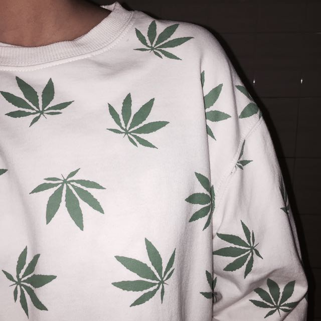 Weed Sweater 🍁✨