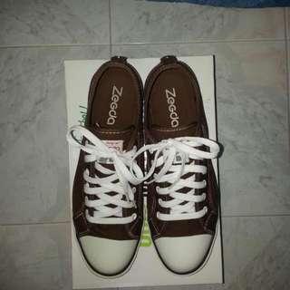 casual foot wear 休閒鞋 43碼
