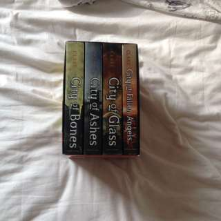 The Mortal Instruments Paperback Box Set