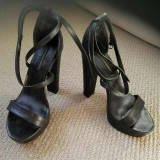 Size 8.5 Windsor Smith Black Heels