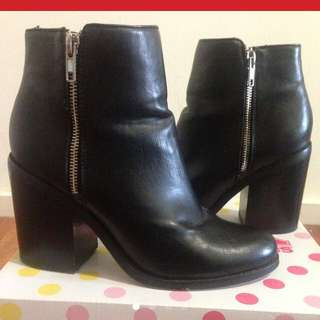 Windsor Smith Black Chunky Boots Size 9